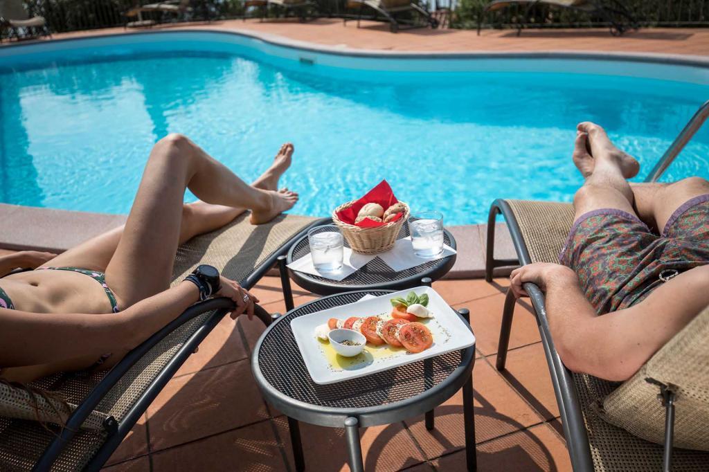 Residence Ca\' del Lago, Lago di Garda, piscina
