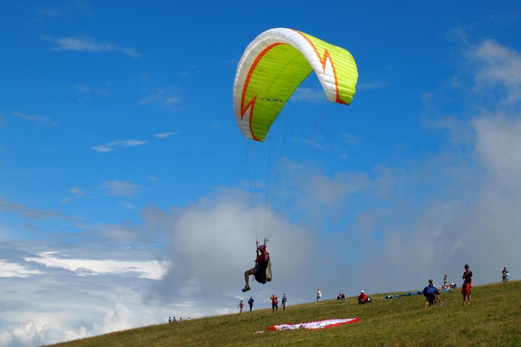 vcanza lago di garda garda vela kite surf trekking garda residence ca del lagoparaglider-4406597 1920