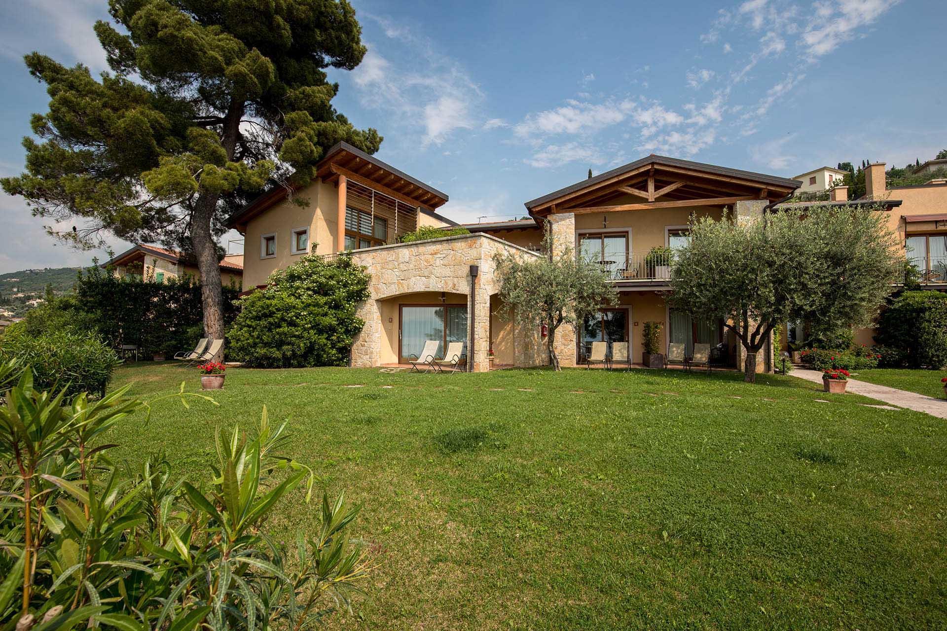 Residencecadellago_giardino_0874.jpg
