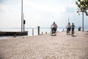 Lake Garda by E-bike! <b>An active holiday, effortless</b>