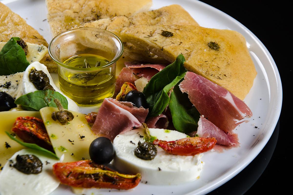 degustazione-olio-di-oliva-lago-di-garda.jpg